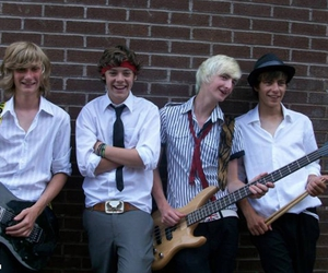 Harry Styles, white eskimo, and one direction image