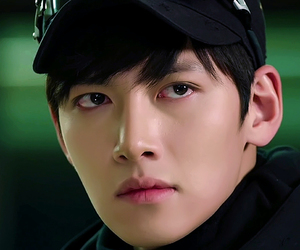 actor, korean, and 지창욱 image