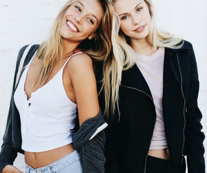 friends, style, and alexis ren image