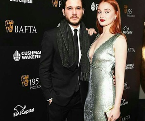sophie turner, kit harington, and game of thrones image