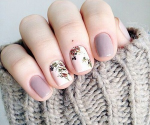 sweater and white nails image