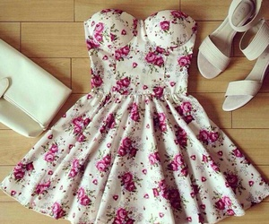 dress, 😍, and flowers image