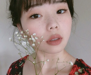 asian, ulzzang, and flowers image
