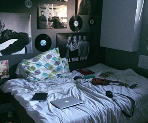 aesthetic, bands, and bring me the horizon image