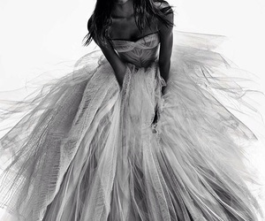 fashion, dress, and Vera Wang image