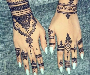 henna, henna art, and manicure image