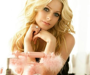 avrillavigne queen music image
