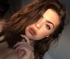 beauty, lips, and brunette image
