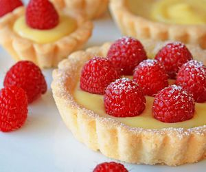 food, raspberry, and tart image