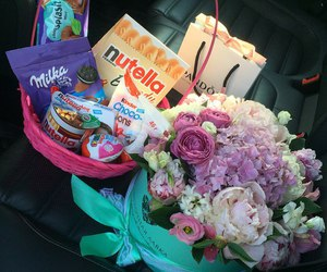 flowers and gifts image