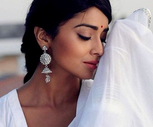 girl, indian, and shriya saran image