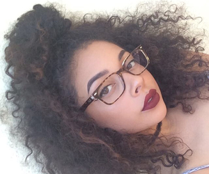 eyebrows, frizz, and baddie image