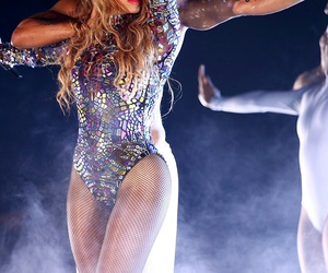 dancer, queen b, and vma image