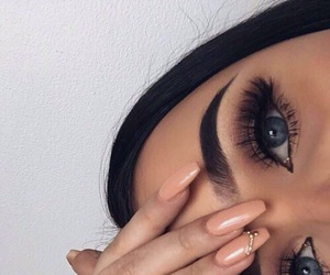 beautiful eyes, brows poppin, and lashes image