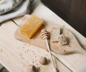 honey, honey bees, and honeycombs image