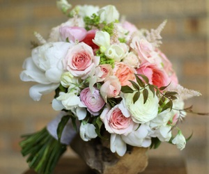 wedding flowers and bridal bouquet image