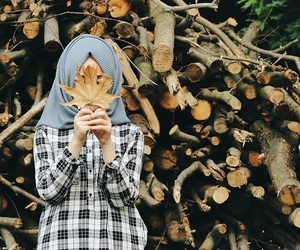 hijab, autumn, and islam image