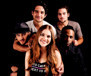 tyler posey and holland roden image