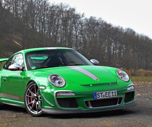 911, green car, and front view image