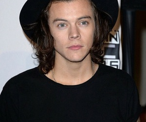 men in black, 1d, and Harry Styles image