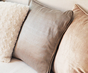 decor and pillow image