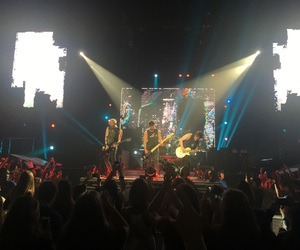concert, slfl, and tour image