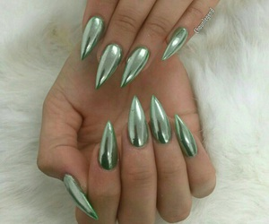chrome and nails image