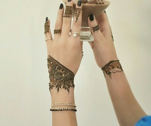 henna, mains, and belles image