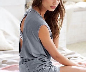 model, taylor hill, and vs image