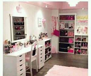 pink and beauty room goals image