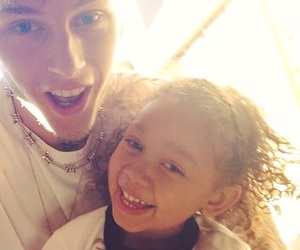 casie and mgk image