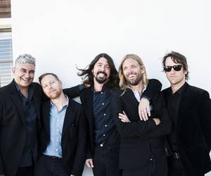 foo fighters, dave grohl, and taylor hawkins image