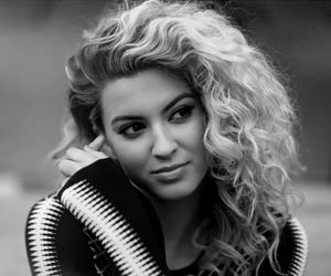 icon and tori kelly image