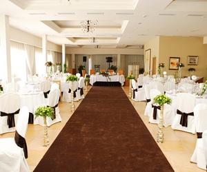 wedding budget, wedding styles, and wedding location ideas image