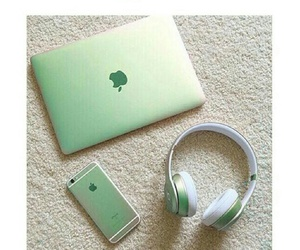 apple laptop image