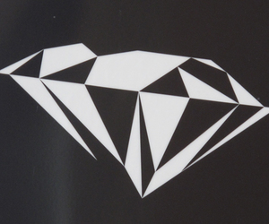 diamond and graphic image