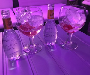 alcohol, strawberrys, and tonic image