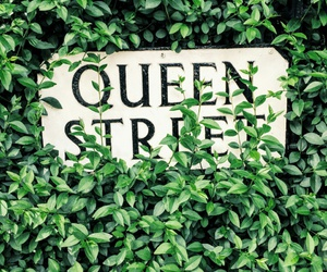 Queen and street image