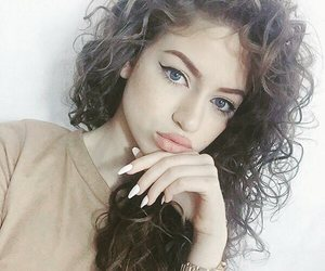 curly and dytto image