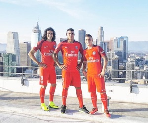football, thiago silva, and edinson cavani image
