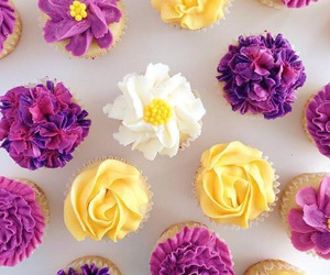 cupcakes, pretty, and yummy image