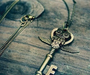 key, owl, and necklace image