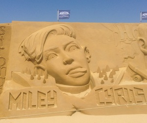 belgium, miley cyrus, and sand sculpture image