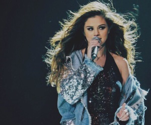 selena gomez, revival tour, and selenator image