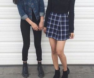 0eadaaad748 aesthetic tumblr clothes - Buscar con Google on We Heart It
