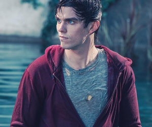 nicholas hoult, warm bodies, and boy image