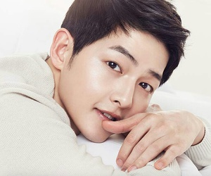 song joong ki, love, and fashion image