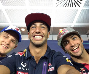 f1, formula 1, and carlos sainz jr image