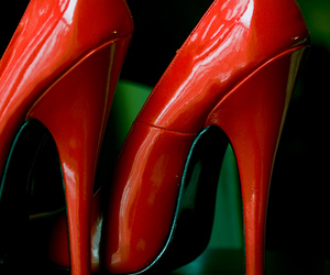 passion, red, and scarpin image