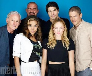 sara lance, ray palmer, and legends of tomorrow image